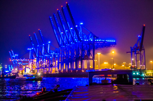 Blueport-Containerbruecken-2